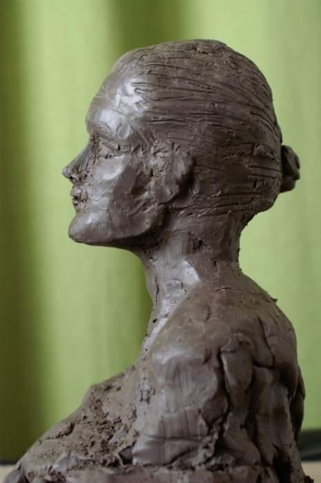 Sculpture terre modèle femme Lucciana 1