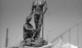 Esquisse de sculpture Dame donnant la bénédiction 1