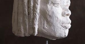 Clémentine sculpture visage terre de côté