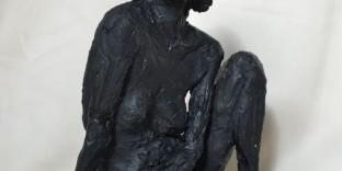 Statuette terracotta jeune-femme terre-cuite patinée noire
